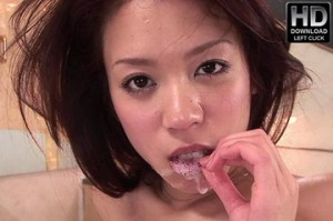 Sexy asian babe Cocoa cum eating